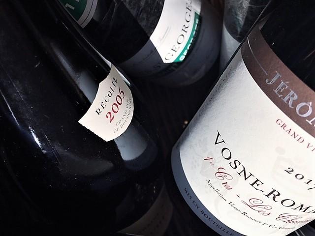 Bottles panier vosne close up